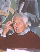 Bonatti durante la presentación. Foto: Archivo Desnivel