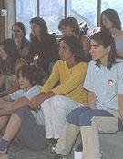 Las estudiantes modelo no se perdieron ni un detalle. Foto: archivo Desnivel