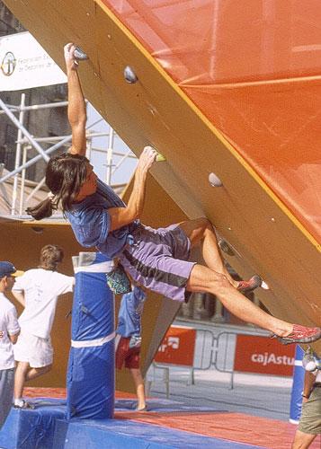 Leire Aguirre compitiendo en Benasque.Foto: archivo Desnivel