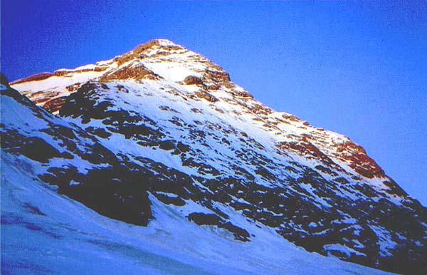 Amanecer en el Gabietou (3.034 m)- Foto: Xavier Palau