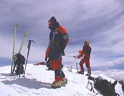 Lafaille en la cima del K2 junto a Hans Kammerlander - Foto: www.jclafaille.com