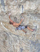 Tommy Caldwell encadenado Kryptonite, 9a, The Fortress, Colorado - Foto: Nick Sagar .