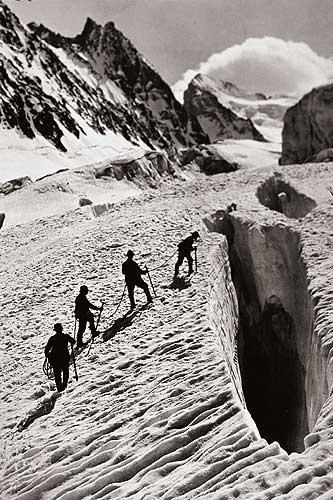 Escalando en los Alpes a principios de siglo