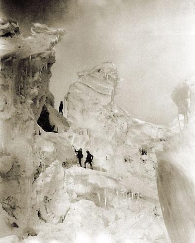 Una imagen de Vittorio Sella durante el intento de 1909