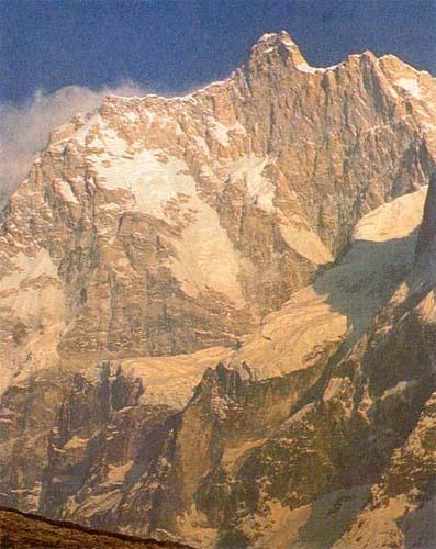 Panorámica de la vertiente norte del Jannu
