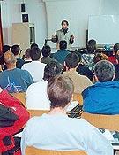 Visión del aula principal durante la ponencia sobre vías ferrata <br>Foto:Tino Núñez