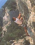 Escalando en el Castell d'Alaró Archivo Desnivel