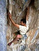 Escalando en Kalymnos, Grecia.Foto: www.go-mountain.com