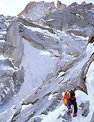 Andy Parking sobre Beyond the good and the evil - Foto: Alpinismo extremo de M. Twight