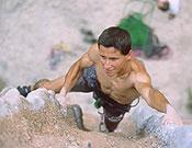 El joven escalador catalán ha firmado dos 8c en el día y con dos intentos en su actual visita a Cuenca  ~  Archivo Desnivel