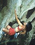 Josune Bereciartu en una travesía de calentamiento de la cueva de Baltzola.Archivo Desnivel