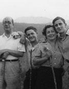 Vacaciones con la familia en la comarca de Osona en 1951.- Foto: Archivo Anglada