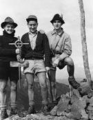 Ángel Anglada, Paco Guillamón y Josep Manuel en les Agudes, en 1952.- Foto: Archivo Anglada