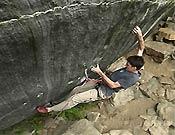 Dave Graham en The Fly, un 9a de apenas 10 movimientos recientemente repetido por Luke Parady.Foto: www.climbxmedia.com