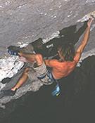 Patxi Usobiaga encadenando Tas-Tas, su tercer 8c+.foto: Mikel Maeso