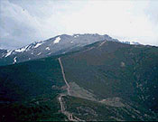 """Pico del Lobo desde el Puerto de La Quesera - Foto: <a href=""""http://www.henaresaldia.com/cam/index.htm"""">Club Alcarreñode Montaña</a>"""