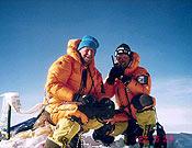 Mario Curnis y Simone Moro en la cima del Mundo - Foto: Col. Simone Moro