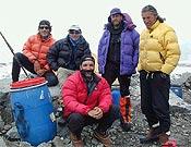 Dos de los grupos nacionales que este año visitan el K2 - Foto: Exp. Española K2