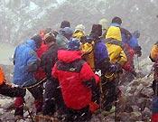 El mal tiempo tampoco ayudó en el rescate del cadáver de Iqbal - Foto: Exp. Española K2 2002