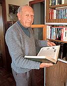 Juan Buyse en su residencia de Siurana ~ Archivo Desnivel