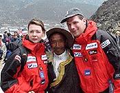 "Renata y Goran en el Everest en 1999, junto a un sherpa  ~ Foto: <a href=""http://www.kroppaventyr.se/""> kroppaventyr.se</a>"