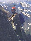Durante la ascensión a la cara oeste del Dru en 1962. Su gran sueño cumplido- Foto: Col. Carlos Soria
