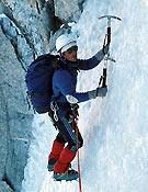 ¿Os acordais? La portada del tercer Desnivel salió de este viaje a Chamonix, cuando abrieron ruta en la Aiguille Sans Nom- Foto: Col. Paco Aguado