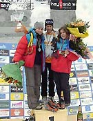 "Podium femenino en Val Daone: Sdobnikova, Papert y Koulikova - Foto: <a href=""http://www.ice-time.com"">ice-time.com</a>"