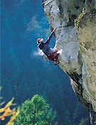 Uros Perko escalando en Eslovenia. - Foto: www.citywall-sp.si