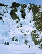 Circo de La Nava, Gredos. El excelente hielo formado este invierno ha dejado varias líenas. - Foto: José I. Gordito