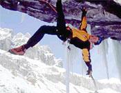 """Robert Jasper sobre Vertical limits, M12 E2 en el Oberland bernés. - Foto: <a href=""""http://www.robert-jasper.de/"""">robert-jasper.de</a>"""