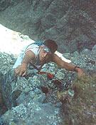 Chemari, adolescente, en su primera vía escalando de primero en Galayos. - Foto: Col José Mª Andrés