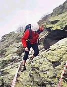 Se relizaron cuatro recorridos en tres días: uno en media montaña con tiempo máximo y peso obligatorio, y tres más de caracter técnico sobre pendiente de hierba, pedrera y resalte de roca. - Foto: Manel de la Matta