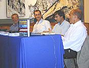 Mari Abrego, Álvaro Osás, Dario Rodríguez y Salvador Rivas durante la presentación de El Centinela de Piedra, V Premio Desnivel de Literatura.  ~ Archivo Desnivel