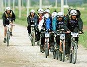 Cabeza de carrera compartida durante el Raid Gauloises 2003 de Kirguizistán. - Foto: raidgauloises.com