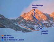 """Nueva variante a la ruta original del 55, trazada por Pauner, Mondinelli, Merelli, y Kuntner en la pirámide somital del Kangchenjunga el pasado mes de mayo. - Foto: <a href=""""http://www.carlospauner.com"""">carlospauner.com</a>"""