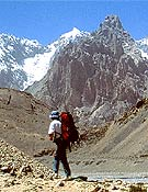 Trekking de altura en China.  ~ Archivo Desnivel