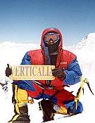 Ricardo Guerrero Coco en la cima del Broad Peak, primer ochomil personal y de un alpinista cordobés. - Foto: Col. R. Guerrero