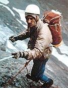 En la cara norte del Eiger, durante el intento de 1962. Lo lograría dos años después con Anglada (primera nacional). - Foto: Col. Jordi Pons