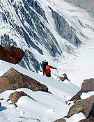 Chus ascendiendo al Campo 5 del Pobeda. - Foto: Col. Chus Lago