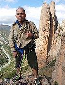 Ángel López Cintero en la cima de El Puro, 50 años después.  ~ Archivo Desnivel