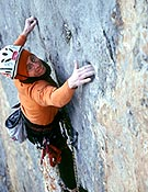 Iker en libre sobre Zunbeltz, Oeste del Naranjo. <br> Foto: Javier Baraiazarra