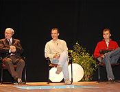 Maurice Herzog, Nil Bohigas y Alberto Iñurrategi durante el coloquio sobre el Annapurna, celebrado en la XXI edición de Torelló. - Foto: Archivo Desnivel