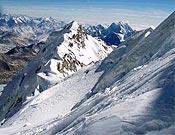 Arista final del Shisha Pangma (8.027 m). - Foto: simonemoro.com