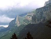 Panorámica del Parque Nacional de Ordesa y Monte Perdido.  ~ Archivo Desnivel