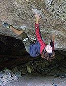 Dai Koyamada sobre, Byaku-dou, 8c de Hourai (Japón).<br> Foto: climbing.com