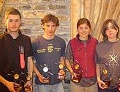 La juventud toma el relevo en Cataluña. Los Campeones, posando con sus trofeos.- Foto: FEEC