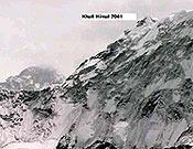 Cara y cima norte del Baruntse (Khali, 7041 m). Simone, Denis y Camos han firmado la primera de la pared. - Foto: simonemoro.com
