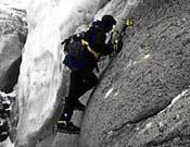 Escalada sobre el hielo en el Condoriri. - Foto: FEMECV