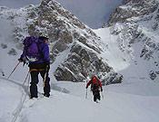 Óscar y Valen Giró abriendo camino hacia el Negrotto.Foto: K2 Magic Line